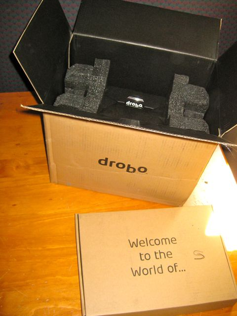 The Drobo is delivered in a cloth bag with clear and friendly markings