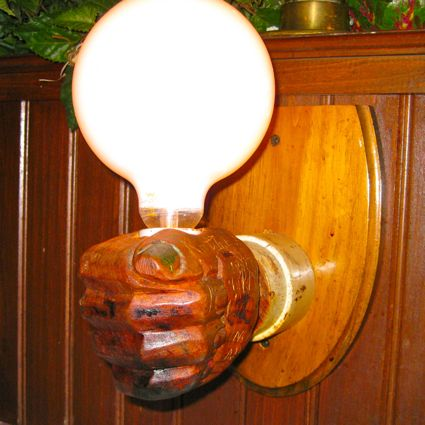 The (incandescent) is the very symbol of innovation, and it's about to be replaced!