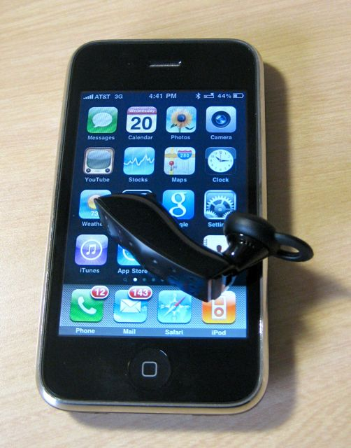 iPhone Review: Aliph Jawbone ICON BlueTooth Headset ...